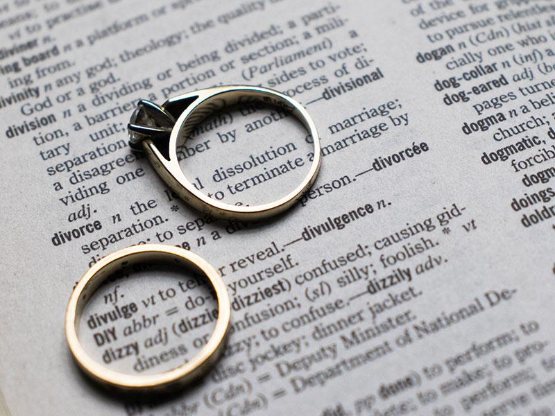 6 maneras en que el divorcio es diferente para los hombres que para las mujeres