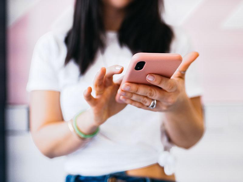 Tinder Icebreakers: Dominar el arte de iniciar una conversación