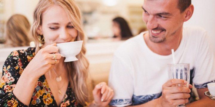 11 Consejos para una conversación divertida, coqueta y efectiva en la primera cita