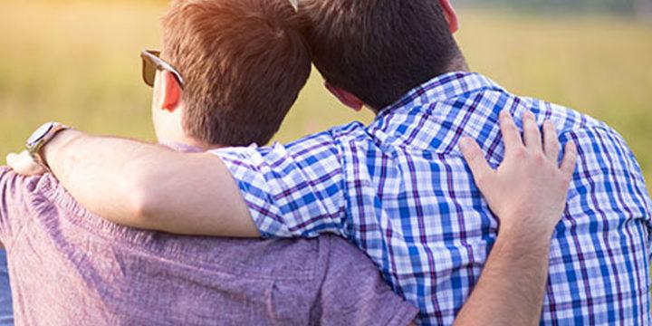 Recién salido: Presentando a tu primera pareja gay a tu familia