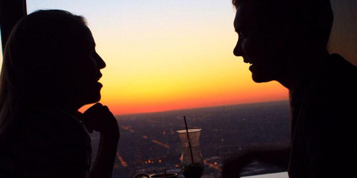 Casado y coqueteando: Qué es saludable vs. qué cruza la línea